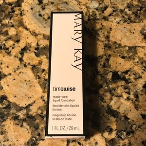 Mary Kay Timewise Foundation Ivory 4